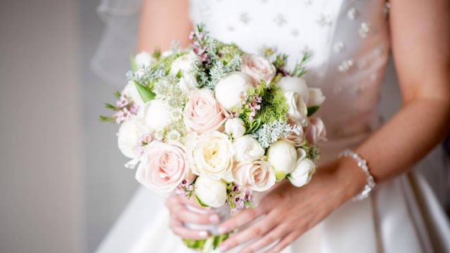 wedding flowers ni n.ireland white peony rose white and pale pink bouquets ideas
