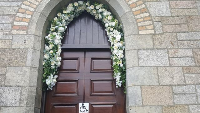 floral door archway church n.ireland